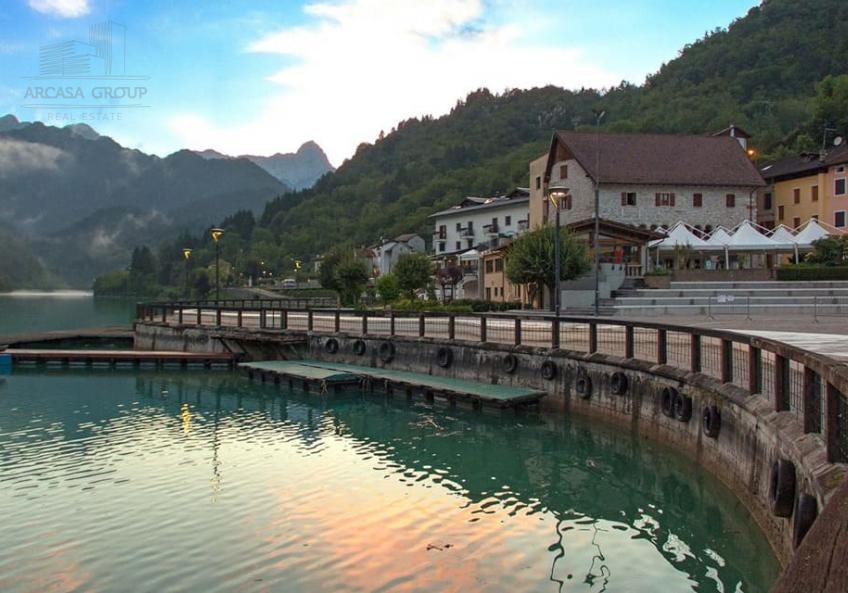 Апартаменты у озера Барчис в Италии