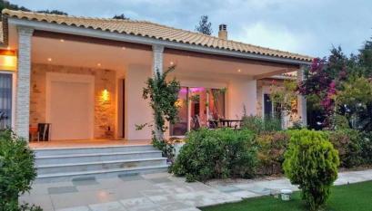 Вилла в Лутраки, Пелопоннес, Греция - Villa Oikonomou